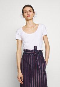 Anna Field - 3 PACK - T-shirt basic - white/navy/light grey melange - 3