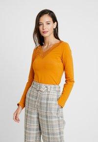 Anna Field - T-shirt à manches longues - mustard - 0