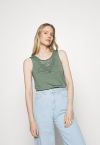 Anna Field - Top - laurel wreath - 0