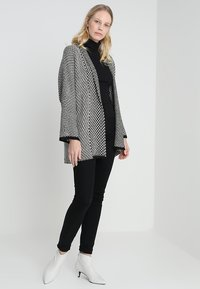 Anna Field - Strickjacke - black/off white - 1
