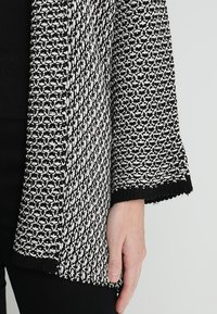 Anna Field - Strickjacke - black/off white - 5