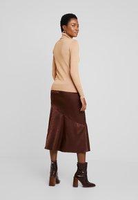 Anna Field - Stickad tröja - camel - 2