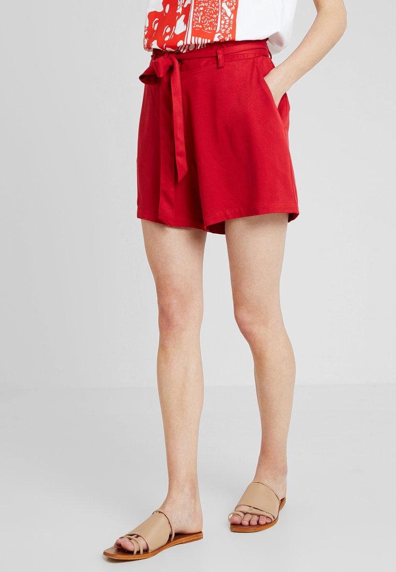 Anna Field - Short - red