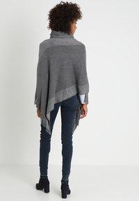 Anna Field - Poncho - grey/silver - 2
