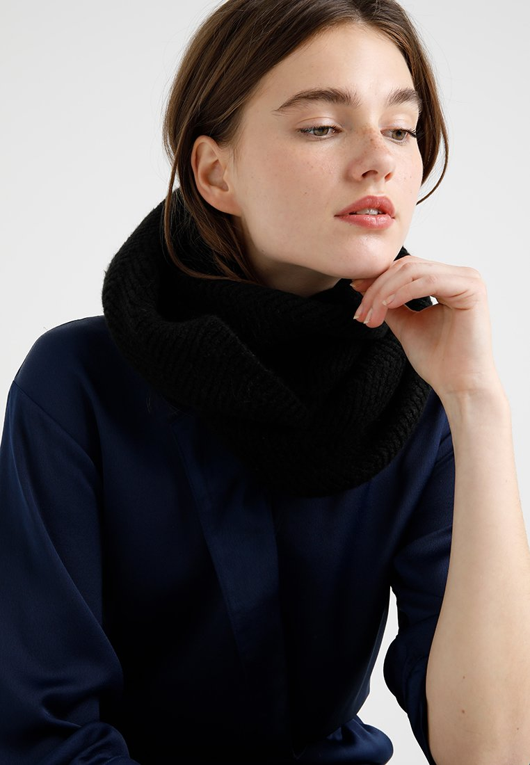 Anna Field - Snood - black