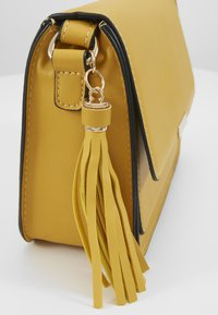 Anna Field - Across body bag - yellow - 7