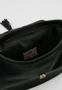Anna Field - Across body bag - black - 4
