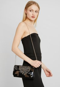 Anna Field - Pochette - black/gold - 1