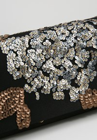 Anna Field - Pochette - black/gold - 6