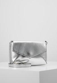 Anna Field - Across body bag - silver - 0
