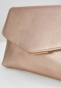 Anna Field - Pochette - gold coloured - 5