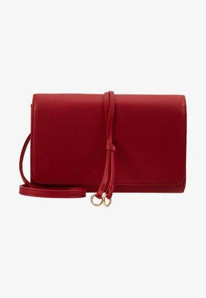 Pochette - red