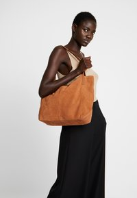 Anna Field - LEATHER - Tote bag - cognac