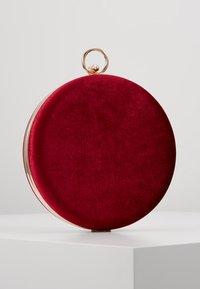 Anna Field - Pochette - dark red - 2