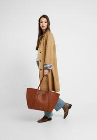 Anna Field - SHOPPING BAG / POUCH SET - Shopper - cognac - 1
