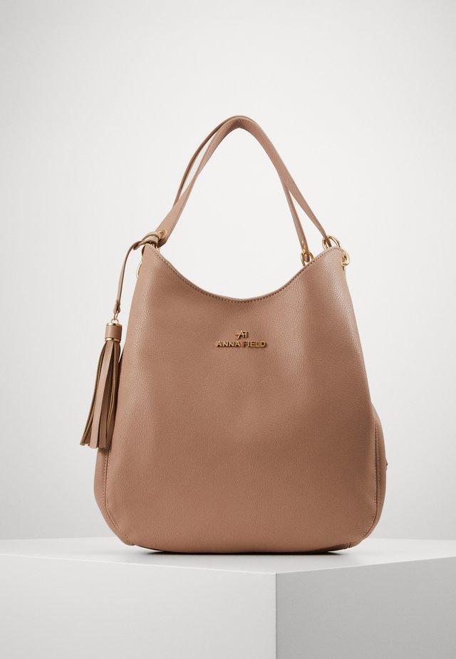 Handtasche - taupe