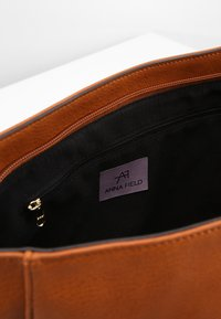 Anna Field - Across body bag - cognac - 4