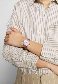 Anna Field - Horloge - cognac - 0
