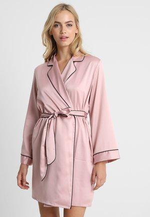 Bademantel - pink