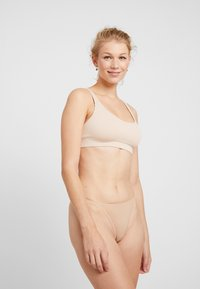 Anna Field - 5 PACK - Stringit - nude/black/white - 1