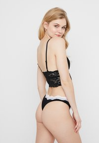 Anna Field - 7 PACK - Tanga - white/black - 2