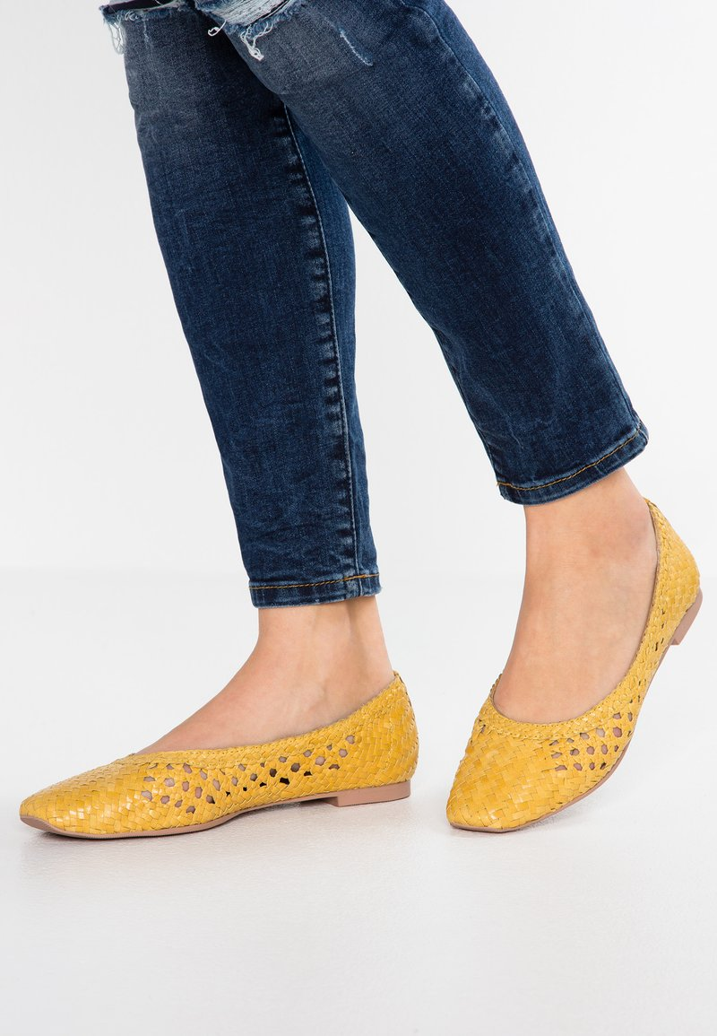 Anna Field Select - LEATHER BALLET PUMPS - Ballerine - yellow