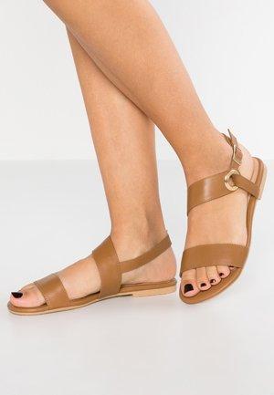 LEATHER SANDALS - Sandals - cognac