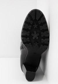 Anna Field Select - LEATHER PLATFORM BOOTS - Stivali con plateau - black - 6