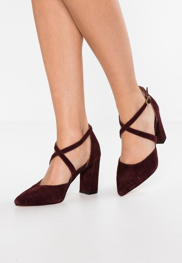 LEATHER HIGH HEELS - Klassiska pumps - bordeaux