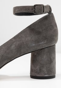 Anna Field Select - LEATHER CLASSIC HEELS - Tacones - grey - 2