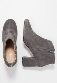 Anna Field Select - LEATHER ANKLE BOOTS - Kotníková obuv - grey - 3
