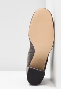 Anna Field Select - LEATHER ANKLE BOOTS - Kotníková obuv - grey - 6