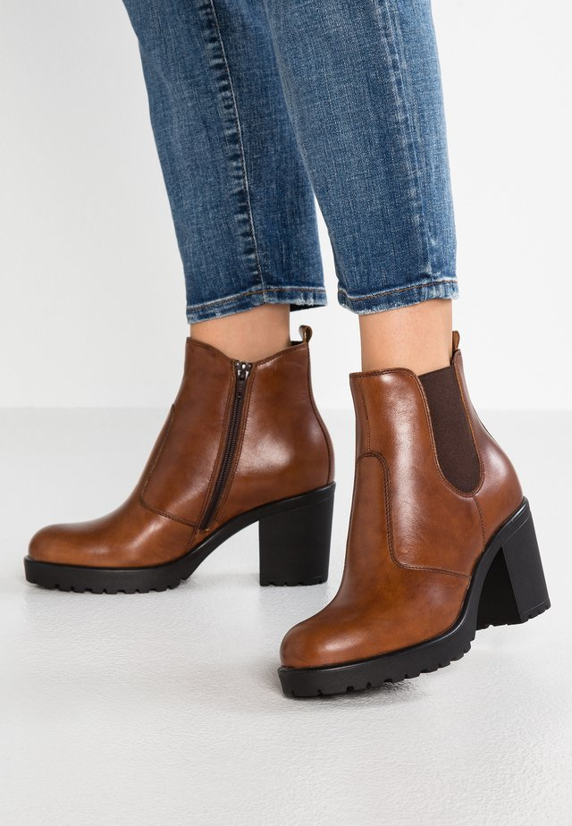 LEATHER ANKLE BOOTS - Ankle boot - dark brown