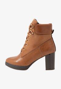 Anna Field Select - LEATHER PLATFORM ANKLE BOOTS - Kotníkové boty na platformě - cognac - 1