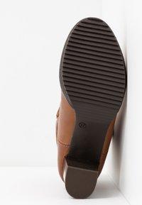 Anna Field Select - LEATHER PLATFORM ANKLE BOOTS - Kotníkové boty na platformě - cognac - 6