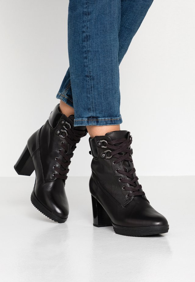 LEATHER PLATFORM ANKLE BOOTS - Platåstövletter - black