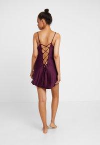 Ann Summers - CHERRYANN CHEMISE - Pyjamas - purple - 2
