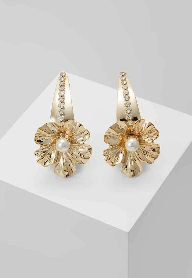 Anton Heunis - FLOWER TRUMPET HOOP - Earrings - gold-coloured/white