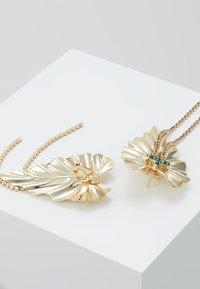 Anton Heunis - DANGLY IVY EARRINGS - Oorbellen - gold-colored/green - 2