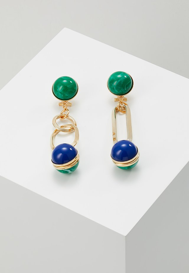 EARRING ASYMMETRIC OMEGA CLASP WITH OVAL LINK RING SPHERE - Kolczyki - green/blue