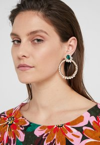 Anton Heunis - Earrings - green/gold-coloured - 1