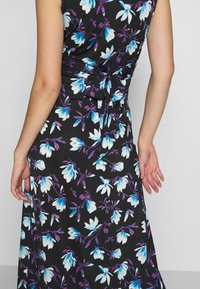 Anna Field Tall - MAXI WITH TWIST - Robe longue - black / blue - 6
