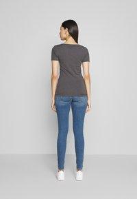 Anna Field Tall - 3 PACK - T-shirt basique - white/black/dark grey - 2