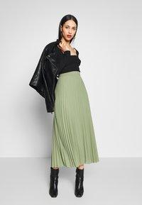 Anna Field Tall - T-shirt à manches longues - black - 1