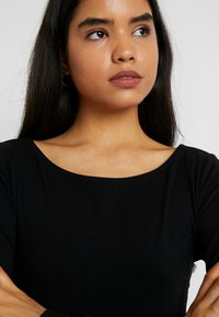 Anna Field Tall - 2ER PACK  - Top sdlouhým rukávem - black/white - 4