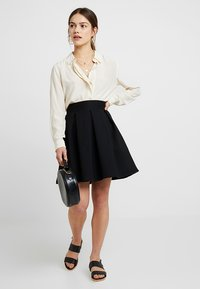 Anna Field Petite - A-snit nederdel/ A-formede nederdele - black - 1