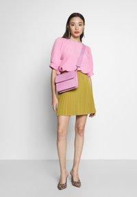 Anna Field Petite - Áčková sukně - mustard - 1