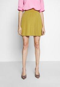 Anna Field Petite - Áčková sukně - mustard - 0