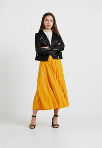 Anna Field Petite - A-Linien-Rock - sunflower - 1