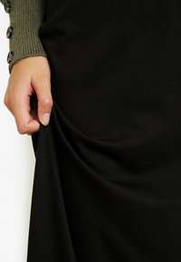 Anna Field Petite - Maxi skirt - black - 4